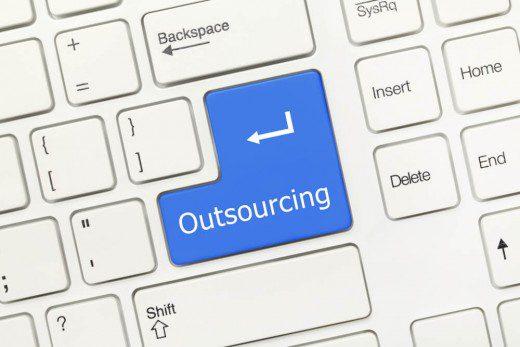 como-reduzir-os-gargalos-de-producao-em-suas-metas-por-meio-do-outsourcing.jpeg