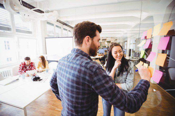 conheca-8-ferramentas-para-facilitar-a-comunicacao-interna-empresarial.jpeg