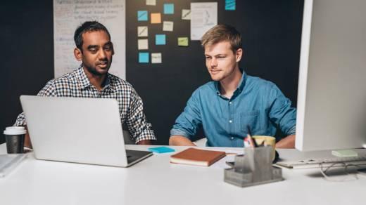 parceria de desenvolvimento de software personalizado